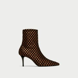 Zara size 6 High Black Mesh Ankle Boots